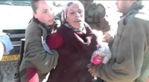 Zatčení Palestinky s jejím dítětem