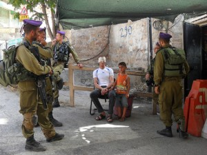 Hebron_5 year old kid and father detained